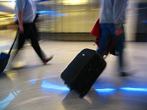 Reisende unter Stress am Airport